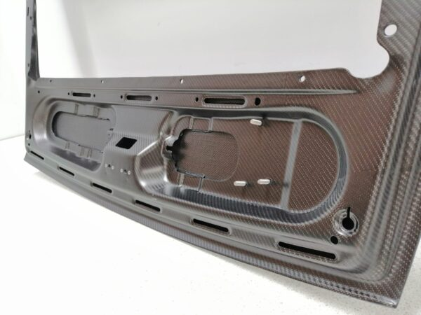 Porsche 911 993 carbon engine cover backside mounting points from side