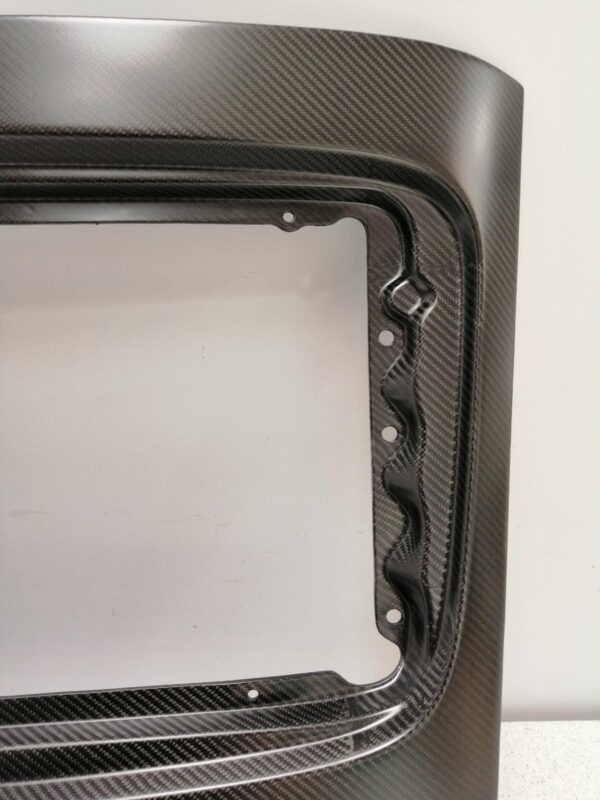 Porsche 911 993 carbon engine cover mounting close up